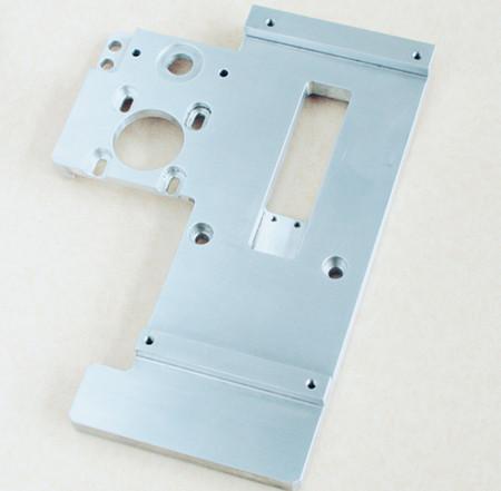 精密機械加工 アルミ部品 A7075